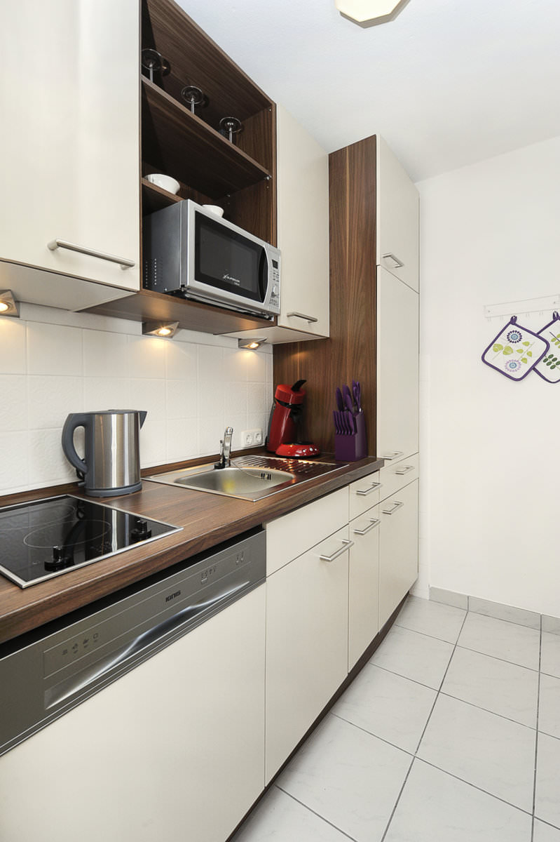 k che in der ferienwohnung strandl ufer. Black Bedroom Furniture Sets. Home Design Ideas